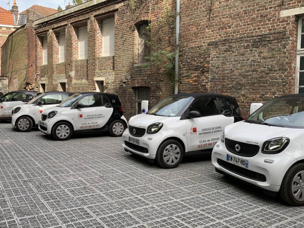 Domotisme : installation borne recharge voiture électrique Parking du CCAS de Douai